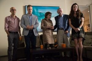 """When a patient suffering from borderline personality disorder begins exhibiting especially erratic behavior, many of those who care about her become concerned, including her parents (Joyce Hiller Piven, middle; Jack Wallace, second from right), her best friend (Linda Cardellini, right), and her gay ex-husband (Alan Tudyk, second from left) and his lover (Mitch Silpa, left), in """"Welcome to Me."""" Photo courtesy of Alchemy."""