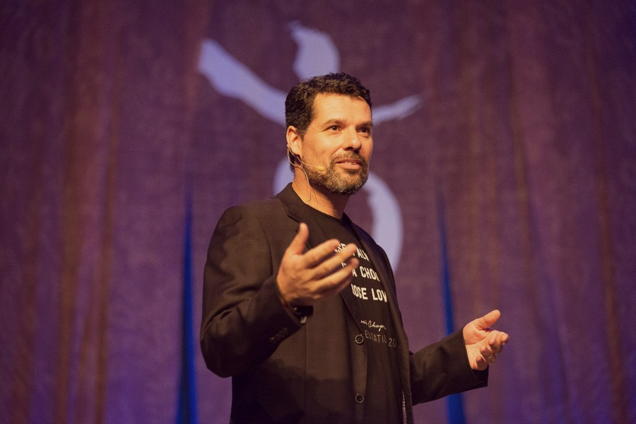 SIMPLE STEPS FOR MANIFESTING YOUR DREAMS WITH RENE RINGNALDA