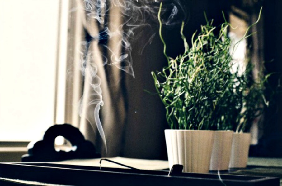 incense-stick-405899_1920-e1455742527977-1
